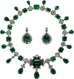 Londonderry Emerald Necklace & Earrings. Marquise daughter Amelia, Castle Ray Vicomtesse (1762-1829), then of her nephew from (died 1817) and his widow Caroline (1723-1793) 2nd Earl of Buckinghamshire, 7th Marquess to Rotian (1794-1844), which was hereditary and family to then current.