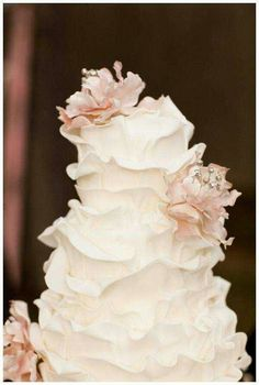 extravagant wedding cakes | Extravagant wedding cake' This cake is unique...it looks like rose ...