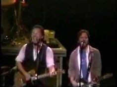 Bruce Springsteen & Eddie Vedder - No Surrender