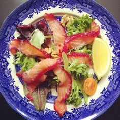 Gordon Ramsay'a beetroot cured salmon