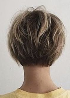 Soft short bob - All For Bob Hair Trending Short Aline Haircuts, Short Shag Hairstyles, Bob Hairstyles For Fine Hair, My Hairstyle, Short Aline Bob, Short Hair With Layers, Short Hair Cuts For Women, Short Hair Styles, Back Of Short Hair