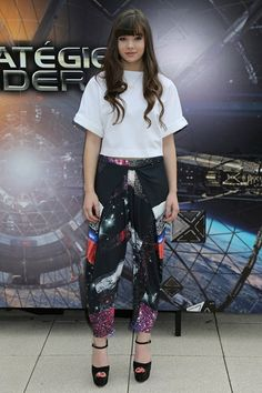 New York - October 2 2013  Hailee Steinfeld teamed an Osman top with Clover Canyon trousers and Brian Atwood heels.