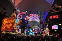 Freemont Street Las Vegas, Nevada, USA    © G. Giuglio