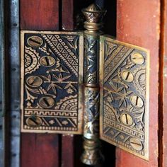 Design Motifs of the Aesthetic Movement - Old-House Online Door Knobs And Knockers, Door Hinges, Window Hinges, Art Nouveau, Aesthetic Movement, Aesthetic Design, Decoration, Antiques, Home Decor