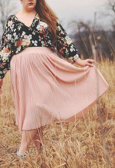 The classy junk: floral and pleats outfit vintage, sophisticated, feminine, Plus Size Dresses, Plus Size Outfits, Curvy Fashion, Plus Size Fashion, Dresser, Gothic, Vintage Outfits, Vintage Fashion, Over 60 Fashion