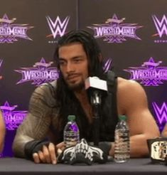 love this GIF of @wweromanreigns