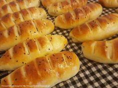Μια θαυμασια ζυμη που μπορειτε να γεμισετε ειτε με αλμυρα ειτε με γλυκα υλικα. Greek Cooking, Cooking Time, Breakfast Recipes, Snack Recipes, Cooking Recipes, Greek Bread, Snacks, Bread Rolls, Greek Recipes