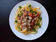 Zucchininudlar med gräddig Salsicciasås | Tjockkocken