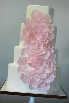 Pick out the wedding cake design of your dreams in the Weddingbee gallery. Ideas for wedding cakes in every style, from quirky groom cakes to traditional fondant. Gorgeous Cakes, Pretty Cakes, Cute Cakes, Pink Rose Cake, Peony Cake, Flower Cakes, Wedding Cake Designs, Wedding Cakes, Fondant