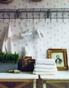 Cabbages & Roses Catherine Rose Pink Wallpaper. Photo by Simon Brown