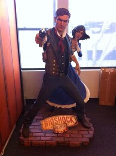 Life-sized Booker and Elizabeth - thanks - Maybe make it a Cosplay idea at some point for me and my future girl. Bioshock 1, Bioshock Series, Bioshock Infinite Elizabeth, Video Game Addiction, Geek Games, Gold For Sale, Loki, Statues, Videogames