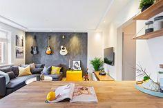 3-sala-parede-cimento-queimado-guitarras-na-parede