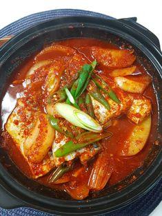 오늘저녁메뉴, 칼칼한 밥도둑 갈치 무조림 !! : 네이버 블로그 Thai Red Curry, Ethnic Recipes, Food, Food Food, Essen, Meals, Yemek, Eten