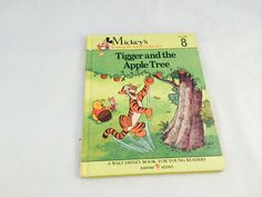 Tigger and the Apple Tree-Mickey's Young Reader's Library Volume 8