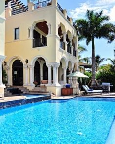 Villa Stella  ( Miami Beach, Florida )  Stella is a five-bedroom manse on Miami's Palm Island, between downtown and South Beach. #Jetsetter
