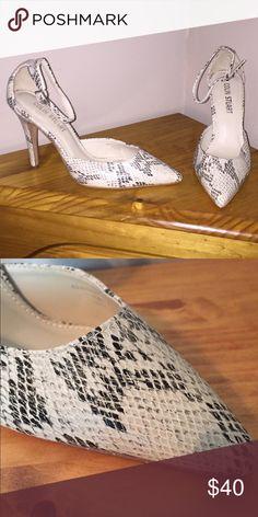 NEW Colin Stuart Heels NEW Colin Stuart Heels Colin Stuart Shoes Heels