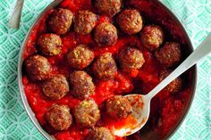 Ricardo's mini carrot meatballs are easy to prepare, and only need 20 minutes to cook. Boneless Pork Shoulder, Pork Shoulder Roast, Barbecue Pulled Pork, Mini Meatballs, Cooking Oatmeal, Using A Pressure Cooker, Star Food