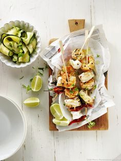Skewers of the sea, zucchini salad Zucchini Salad, Skewers, Grilling, Cheese, Fruit, Eat, Barbecue, Comme, Ethnic Recipes