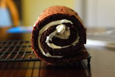 Buche De Noel Yule Log Recipe from Real Simple Real Simple Recipes, Sweet Recipes, Yummy Recipes, Recipies, Easy Desserts, Dessert Recipes, Low Calorie Cake, Yule Log Cake, Food Log