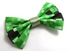 Minecraft Creeper Bow on Etsy Minecraft Outfits, Minecraft Room, Cool Minecraft, Minecraft Clothes, Game Themes, Minecraft Birthday Party, Cosplay, Creepers, Hair Bows