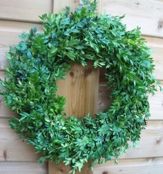 1000 images about kransen on pinterest plastic om and pine cone wreath - Plastic tuintafel ...