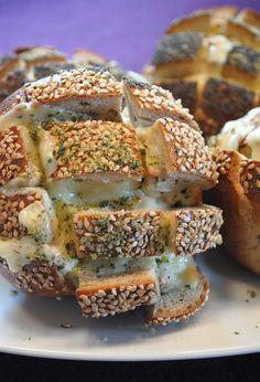 Zupfbrötchen mit Raclette-Käse