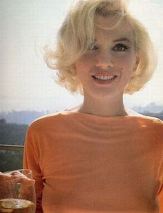 Marilyn Monroe - The Most Iconic Vintage Short Hairstyles - Photos