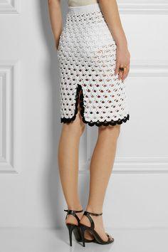 Bonita saia, mas com um forro de cetim ficaria mais elegante.