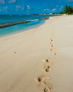 With Senuvo these can be your footprints left behind on Grand Turk Island in the beautiful Caribbean! Need A Vacation, Vacation Places, Vacation Spots, Places To Travel, Places To See, 20th Anniversary, Wedding Anniversary, Grand Turk Island, Exotic Beaches
