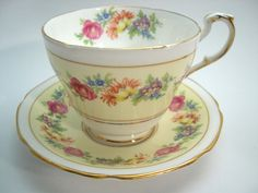 Yellow Paragon Tea cup And Saucer, Double Warrant Paragon, Yellow Floral Tea cup set.
