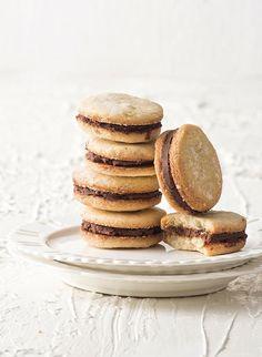 Μπισκότα+γιαουρτιού+με+γέμιση+σοκολάτα-γιαούρτι