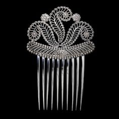 Comb 1809 - 1810 Henry Adcock maker, Birmingham England, silver cast and bright cut V museum Victorian Jewelry, Antique Jewelry, Vintage Jewelry, Vintage Accessories, Fashion Accessories, Hair Accessories, Vintage Hair Combs, Barrettes, Hair Ornaments