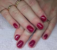 Cute soft and feminine res color changin gel manicure / @NailsByThelmaOsk