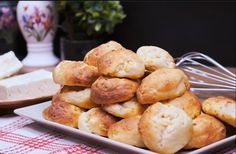 Οικονομική συνταγή: Εύκολα Tυροπιτάκια ή Τυροψωμάκια με μόνο 3 υλικά Pretzel Bites, Bread, Food, Brot, Essen, Baking, Meals, Breads, Buns