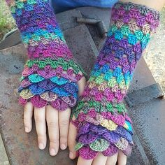 Ravelry: marla3206's Long Crocodile Stitch Fingerless Gloves