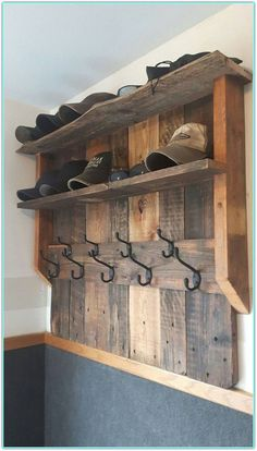 50 Superb DIY Wood Furniture for Your Small House and Cost-efficiency Diy Pallet Projects Costefficiency DIY Furniture House Small Superb Wood Wooden Pallet Projects, Diy Pallet Furniture, Wooden Pallets, Wooden Diy, Rustic Furniture, Furniture Ideas, Painted Furniture, Pallet Ideas, Pallet Wood