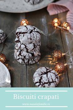 Cei mai buni biscuiți cu cacao, biscuiți crăpați sau chocolate crinkles. Fursecuri fragede cu cacao. Cacao Chocolate, Chocolate Crinkles, Confectionery, Cake Cookies, Biscotti, Cake Recipes, Deserts, Sweets, Homemade