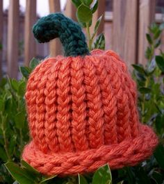Sample hat was made on the 24 peg blue Knifty Knitter loom.