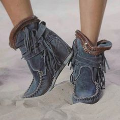 Oumiss women's casual suede all season flat heel tassel boots - oumiss Boots Boho, Boho Shoes, Cowgirl Boots, Denim Boots, Fringe Boots, Shoes Style, Flat Boots, Wedge Boots, Shoe Boots