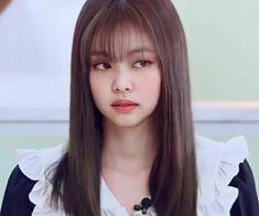 South Korean Girls, Korean Girl Groups, Salon Hair Color, Kpop Hair, Jennie Kim Blackpink, Blackpink Jisoo, Kpop Girls, Girl Hairstyles, We Heart It