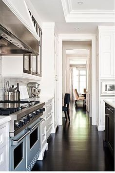 dark floors, effortless flow between rooms