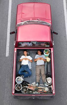 """Alejandro Cartagena captured Mexican workers on their way to job sites in """"Car Poolers."""" This is such an amazing and simple photo series. Click for more"""