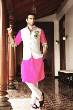 Indian mens wedding suits wedding guest outfits for men designer suits dance indian mens wedding suits pictures Mens Indian Wear, Mens Ethnic Wear, Indian Groom Wear, Indian Men Fashion, Mens Fashion Suits, Men's Fashion, Fashion 2020, Wedding Men, Wedding Suits