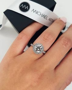 42 Top Round Engagement Rings: Best Rings Ideas %%page%% %%sep%% %%sitename%% Round Halo Engagement Rings, Rings Cool, Or Rose, Diamond Rings, Wedding Bands, White Gold, Jewelry Making, Bling, Brides