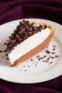 French Silk Pie {AKA Chocolate Lovers Dream Pie} from cooking classy with a sprinkle of fancy Köstliche Desserts, Delicious Desserts, Dessert Recipes, Yummy Food, Pie Dessert, Pie Recipes, Sweet Recipes, Yummy Treats, Sweet Treats
