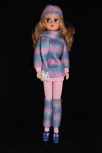 Otto-Simon-FLEUR-auburn-haired-FAMOUS-FASHION-doll-1005-Dutch-Sindy-80s