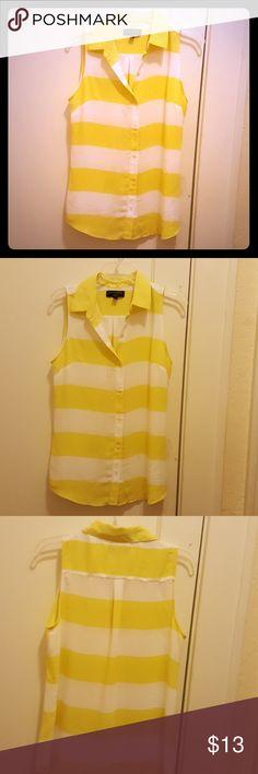 Yellow&White Stripes sleeveless blouse .SZ S. Classic gilt yellow and white striped blouse by Banana Republic.  Size Small . Banana Republic Tops Blouses