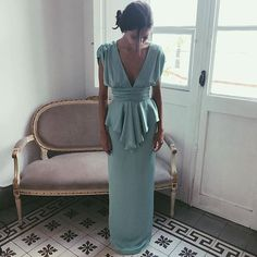 Simple Gowns, Bridal Tips, Wedding Tips, Dress Outfits, Fashion Outfits, Maxi Dresses, Beach Wedding Inspiration, Old Hollywood Glamour, Classy Women