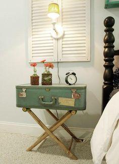 decorar con maletas y reciclar como mesita de noche