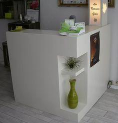 Mobilier accueil, comptoirs, présentoirs Atelier SG à Angers